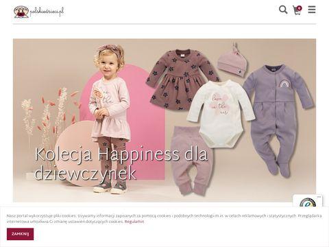 Ubranka w sklepie dla niemowląt i noworodków