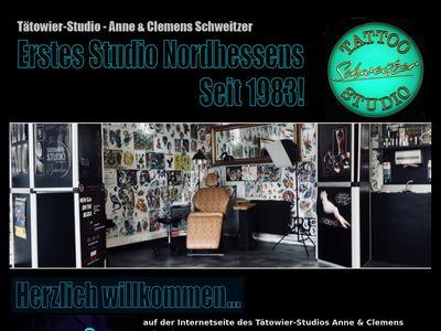 Tattoo Artist Clemens Schweitzer